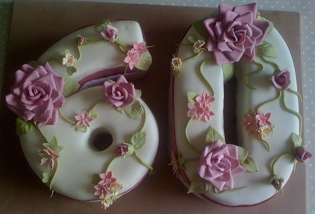 3Looking 60th Birthday Cake For Ladies Have A Look To These Rose Themed